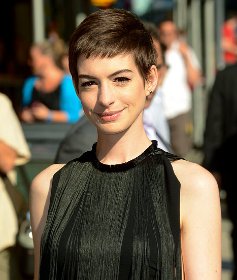 """Anne Hathaway on Haircut: I Was """"Mental Patient Level of Crying!"""""""