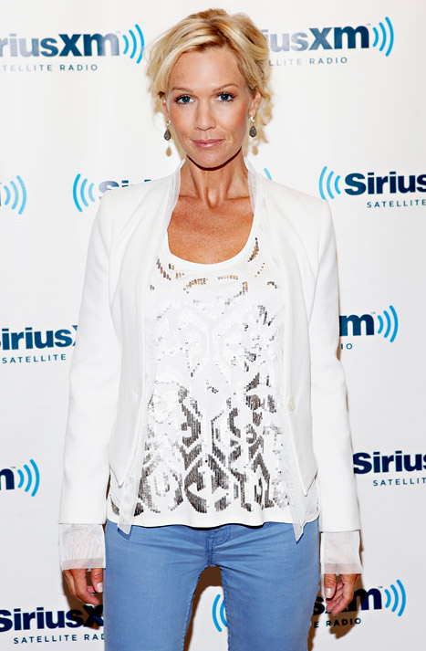 "Super Slim Jennie Garth Talks ""Adult Adolescence"" Post-Split"