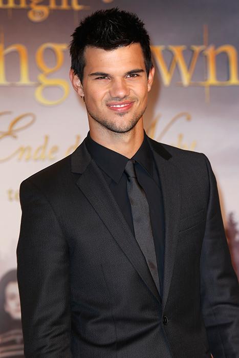 Taylor Lautner Suggests Stephenie Meyer Make Twilight: The Musical!