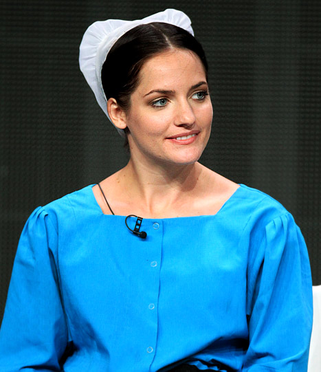 "Breaking Amish's Kate Stoltzfus Wants Spinoff, ""Hates"" Cast Mates"