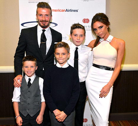 Victoria, David Beckham Take Kids to London for the Holidays