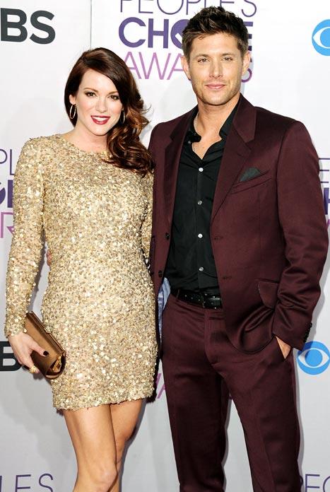 Jensen Ackles' Wife Danneel Harris Debuts Baby Bump at People's Choice Awards!