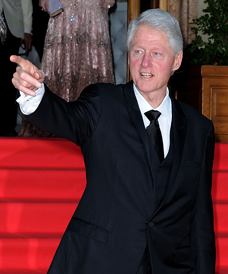 Bill Clinton Makes Surprise Appearance at the Golden Globes to Introduce Lincoln