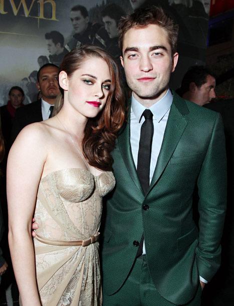Kristen Stewart Joins Robert Pattinson at Golden Globes After-Party
