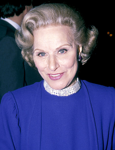 """Dear Abby"" Advice Columnist Pauline Phillips Dead at 94"