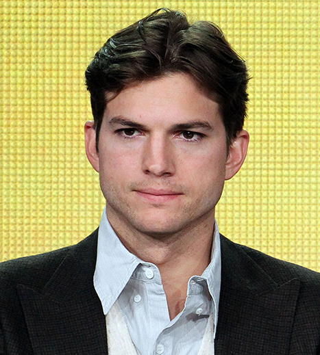 "Ashton Kutcher Was Hospitalized After Adopting ""Fruitarian Diet"" for Steve Jobs Movie"