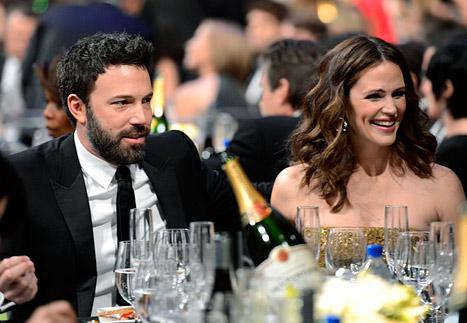 "Ben Affleck Calls Jennifer Garner the ""Most Beautiful Woman"" at the SAG Awards"