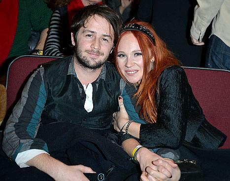 Kristen Stewart's Ex Michael Angarano Dating Juno Temple!