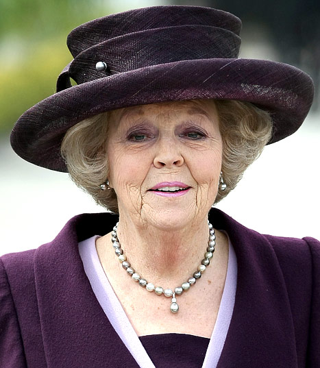 Queen Beatrix of Netherlands to Abdicate Throne