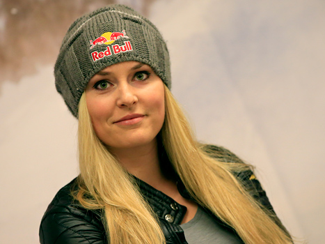 Lindsey Vonn Shares Grisly Picture of Her Injured Knee After Skiing Accident