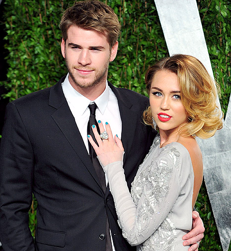 "Miley Cyrus, Liam Hemsworth ""Are Talking"" While He's in Australia"
