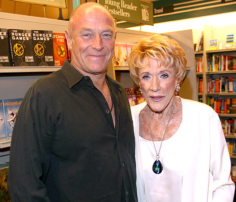 "Jeanne Cooper's Son Corbin Bernsen Tweets ""Huge"" Progress: ""Breathing Apparatus Has Been Removed"""