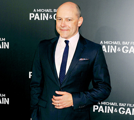 """Rob Corddry Wants His Daughters to Be """"Quiet Lesbians"""""""