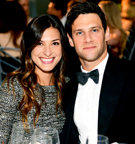 Justin Bartha Engaged to Lia Smith!