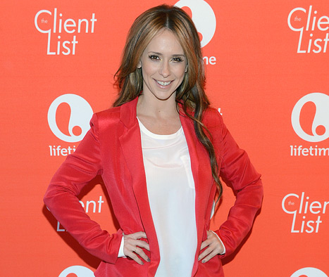 Jennifer Love Hewitt Quits Twitter: Find Out Why