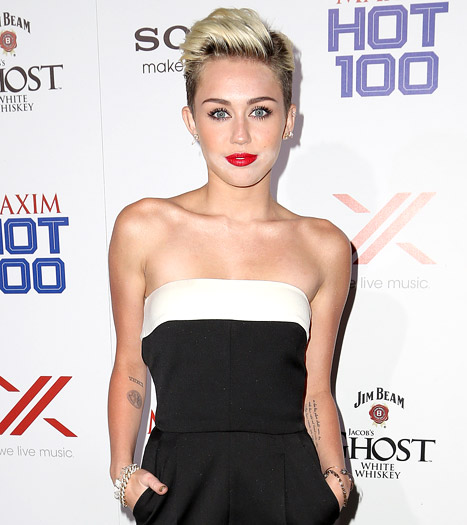 Miley Cyrus Gets Third Tattoo From Kat Von D