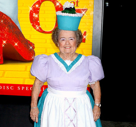 """Wizard of Oz Munchkin Margaret Pellegrini Dies at 89: """"She Was a Great Lady"""""""