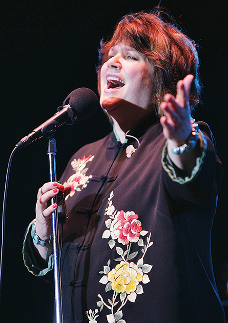 Linda Ronstadt Has Parkinson's Disease, Can No Longer Sing
