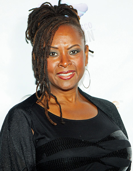 """Robin Quivers Reveals Cancer Battle: Howard Stern Thought She Was a """"Goner"""""""