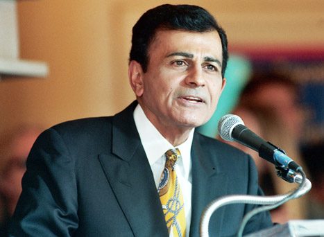 "Casey Kasem's Kids Beg Wife to Let Them See Him: ""Don't Want Any of His Money"""