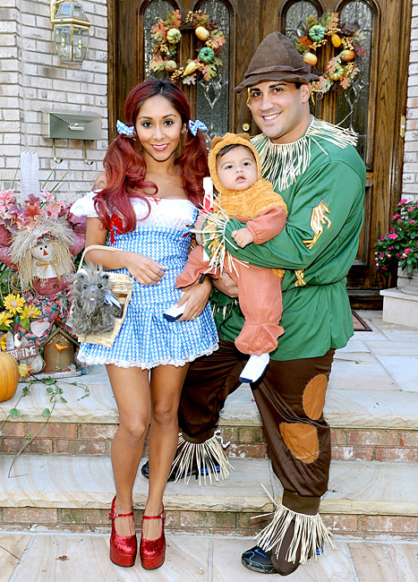 Snooki, Baby Lorenzo, Fiance Jionni Lavalle Dress as Wizard of Oz Characters For Halloween: Pictures