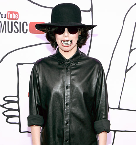 Lady Gaga Wears Giant Decaying Teeth, Breaks Down in Tears at Youtube Awards