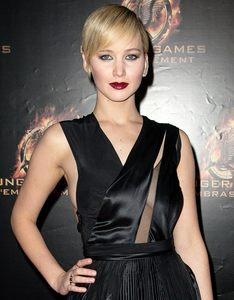 "Jennifer Lawrence Reveals She Had Therapy for Social Anxiety: ""I Felt Worthless"""