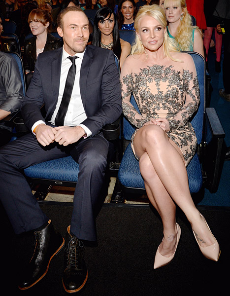 Britney Spears Wins First-Ever People's Choice Award, Brings Boyfriend David Lucado as Date