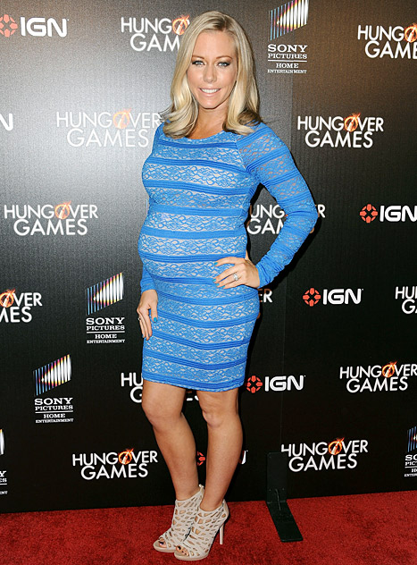 Kendra Wilkinson Rocks Huge Baby Bump on Red Carpet: Picture