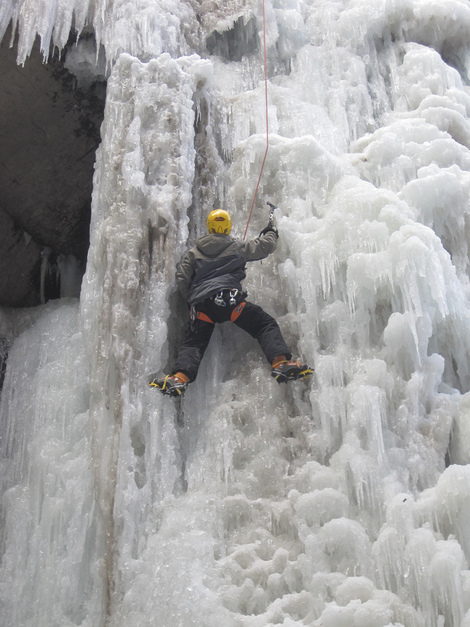 Ice Climbing in Minnesota: A Winter Travel Adventure in St. Paul