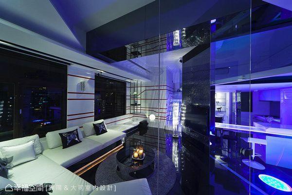 超前衛的時尚夜店風~辦趴必備的20坪挑高樓中樓