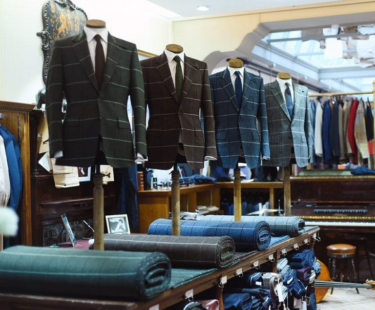 Huntsman-Trunk-Shows-London-Savile-Row-768x635