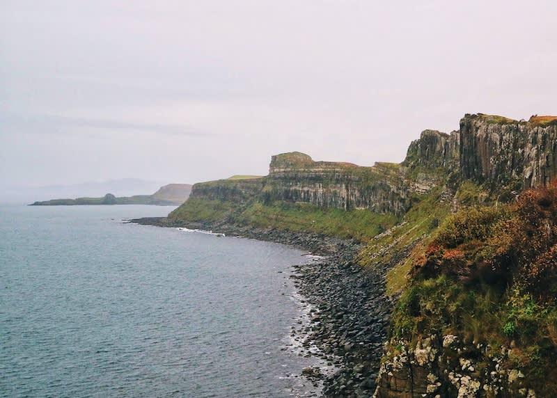 天空島上的裙岩紋理,與蘇格蘭裙的皺褶很類似。Photographer | Serina Su