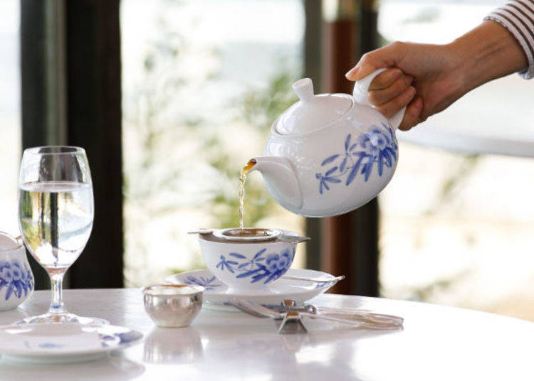 ▲單點紅茶的話,店員會帶著茶壺為客人續加。