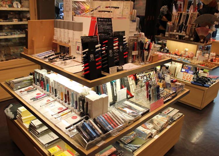 廣受台灣旅客喜愛的高人氣文具用品專櫃