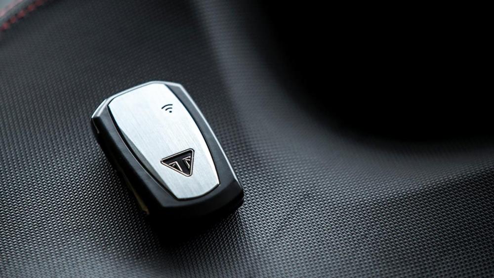 RS版本上搭載更多的先進科技,能夠給予騎士更高規的享受。
