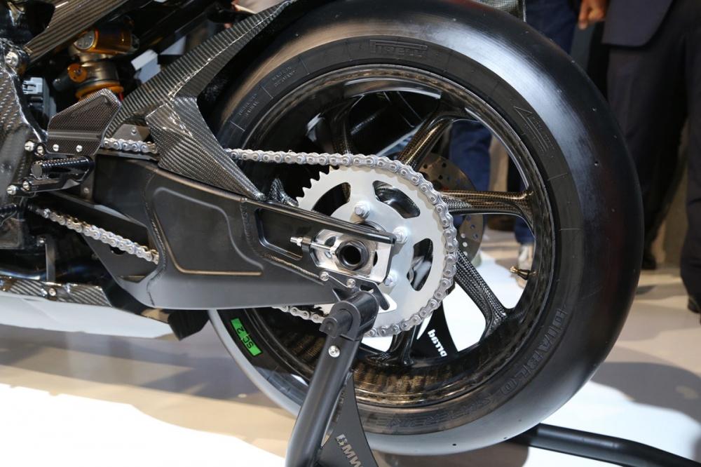 High Performance 更高境界:2017 BMW HP4 Race