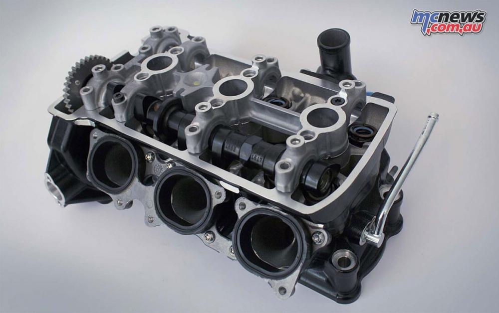 MV AGUSTA對於三缸引擎的積極開發程度不亞於對外型美學的講究。