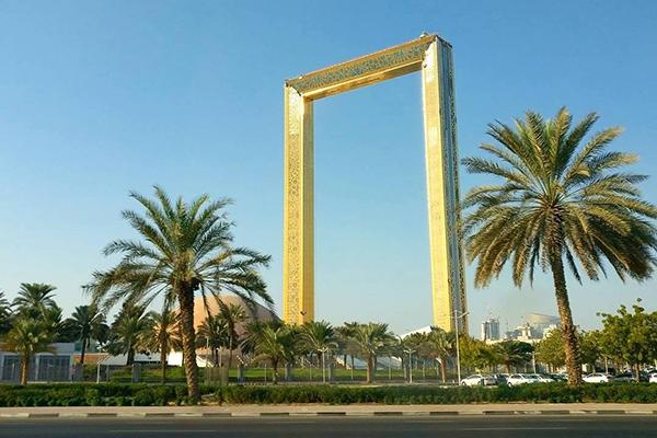 杜拜之框外觀宛如一座巨大相框 (圖/Dubai Frame)