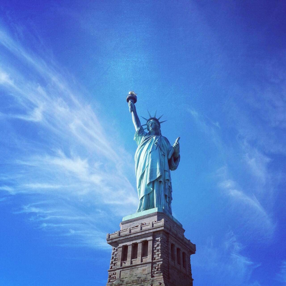 自由女神像,象徵美國的自由獨立,週遭的景色更是美不勝收。