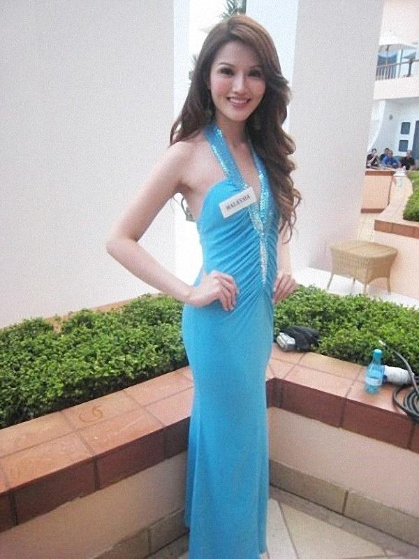 天天都要穿美美,蘇盈之帶了不少行頭到南非參加選美。