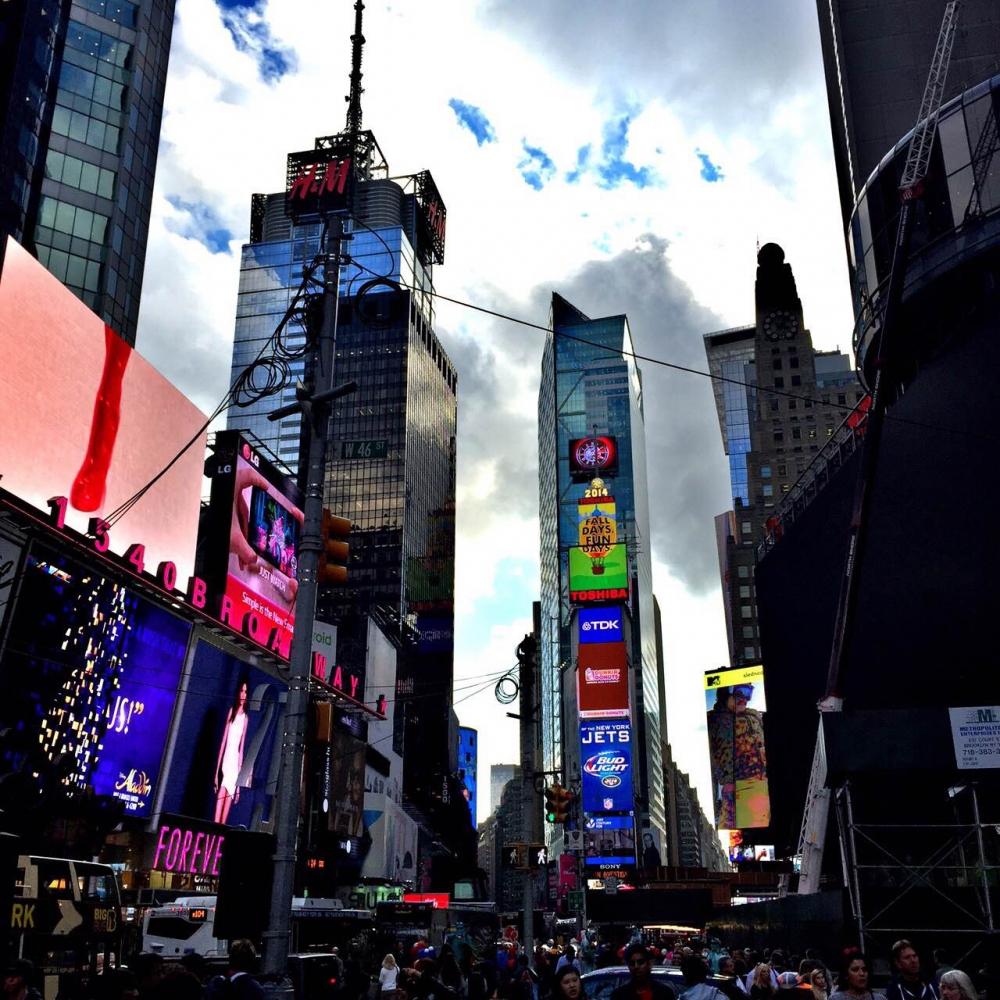 時代廣場是美國紐約著名地標,只要是觀光客都會應景來拍照。