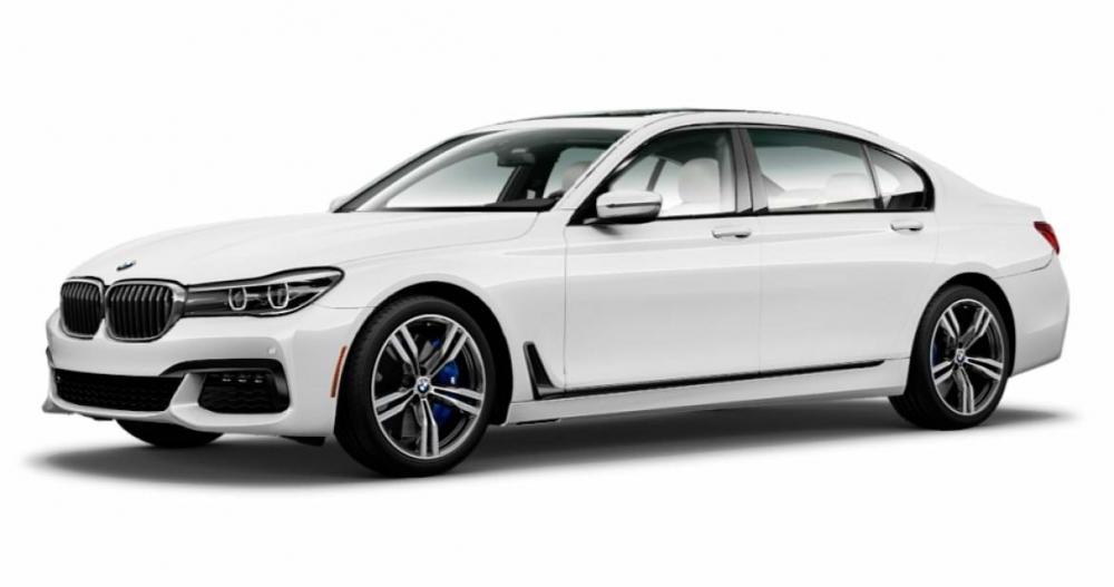 本月進口豪華轎車榜單,前3名與上個月完全一樣,分別為Mercedes-Benz C&E-Class與BMW 3 Series,證明雙B在台灣依舊受到廣大車主喜愛;本月Lexus ES前進一個名次,銷量多出3成。另外久違的BMW 7 Series重返前十強,以114輛銷量回到第8名。進口豪華休旅車部份,上個月第4名的Mercedes-Benz GLC本月拿下冠軍,銷量進步幅度高達244%,Lexus NX雖然賣出比上個月多賣出95輛,但面對Mercedes-Benz GLC強勢表現也只能位居第2。