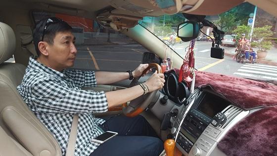 宋少卿為了解決塞車問題,經常開快車。(圖/宋少卿提供)