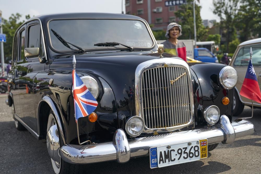 倫敦黑帽子計程車海外左駕版