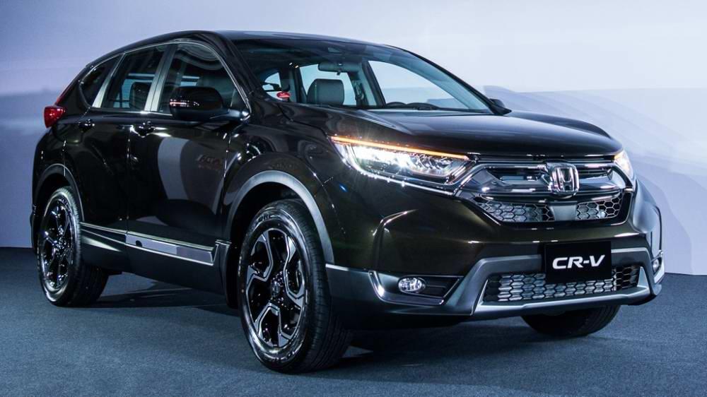 本月Honda CR-V 1.5頗有捲土重來氣勢,以 1,300輛總銷量上升到第2名。(圖片來源:https://autos.yahoo.com.tw/new-cars/trim/honda-cr-v-2018-1-.-5-vti)