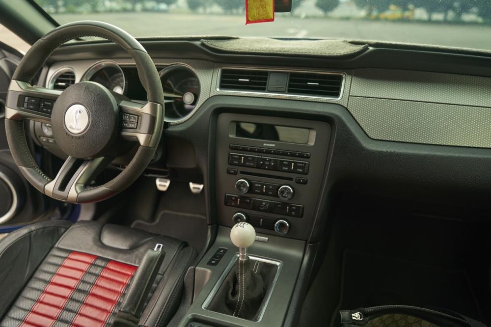 2008年第二代霹靂車,5.4升V8引擎搭配6速手排,座椅則是採用RECARO賽車椅