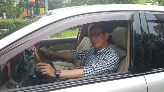比較各大品牌和維護便利性,宋少卿選擇日本豐田的高級車款LEXUS,好開又省油。(圖/宋少卿提供)