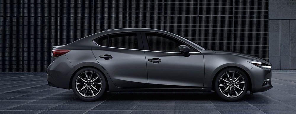本月進口轎車排行榜,再度由Mazda Mazda3奪下冠軍,不過整體比上個月少賣出236輛(圖片來源:https://www.fivestarmazda.com/2018-mazda3-for-sale-in-macon-ga.html)