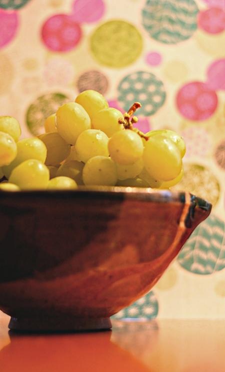 只要6串葡萄,就可以在羊年輕鬆迎財神。圖片取自:Kate Ter Haar@Flickr http://ppt.cc/bP5M